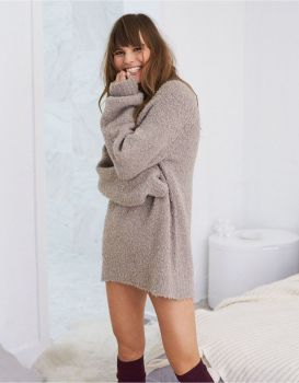 Fashionable oversized sweater for winter outfit 6
