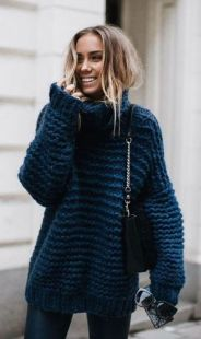 Fashionable oversized sweater for winter outfit 7