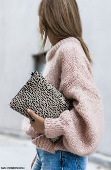 Fashionable oversized sweater for winter outfit 8