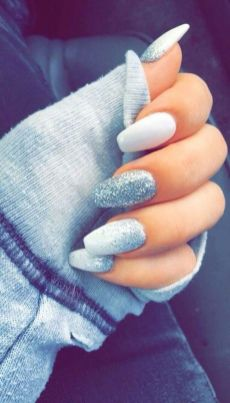 Pretty winter nails art design inspirations 2