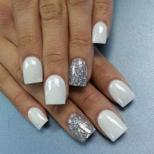 Sweet acrylic nails ideas for winter 105