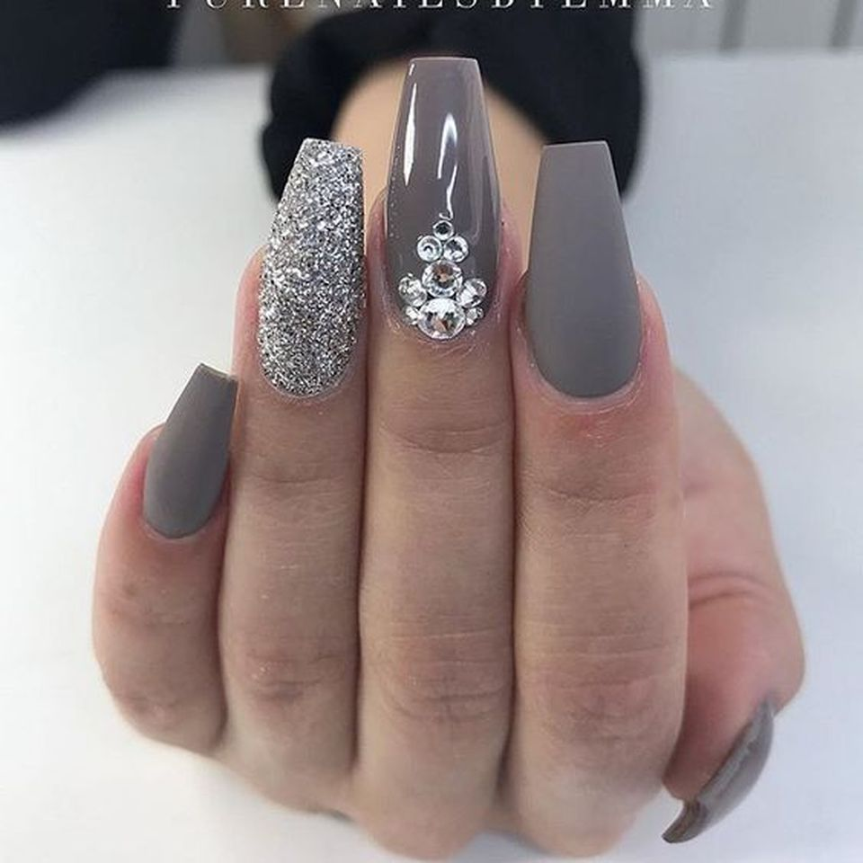 Sweet acrylic nails ideas for winter 108