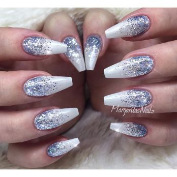 Sweet acrylic nails ideas for winter 112