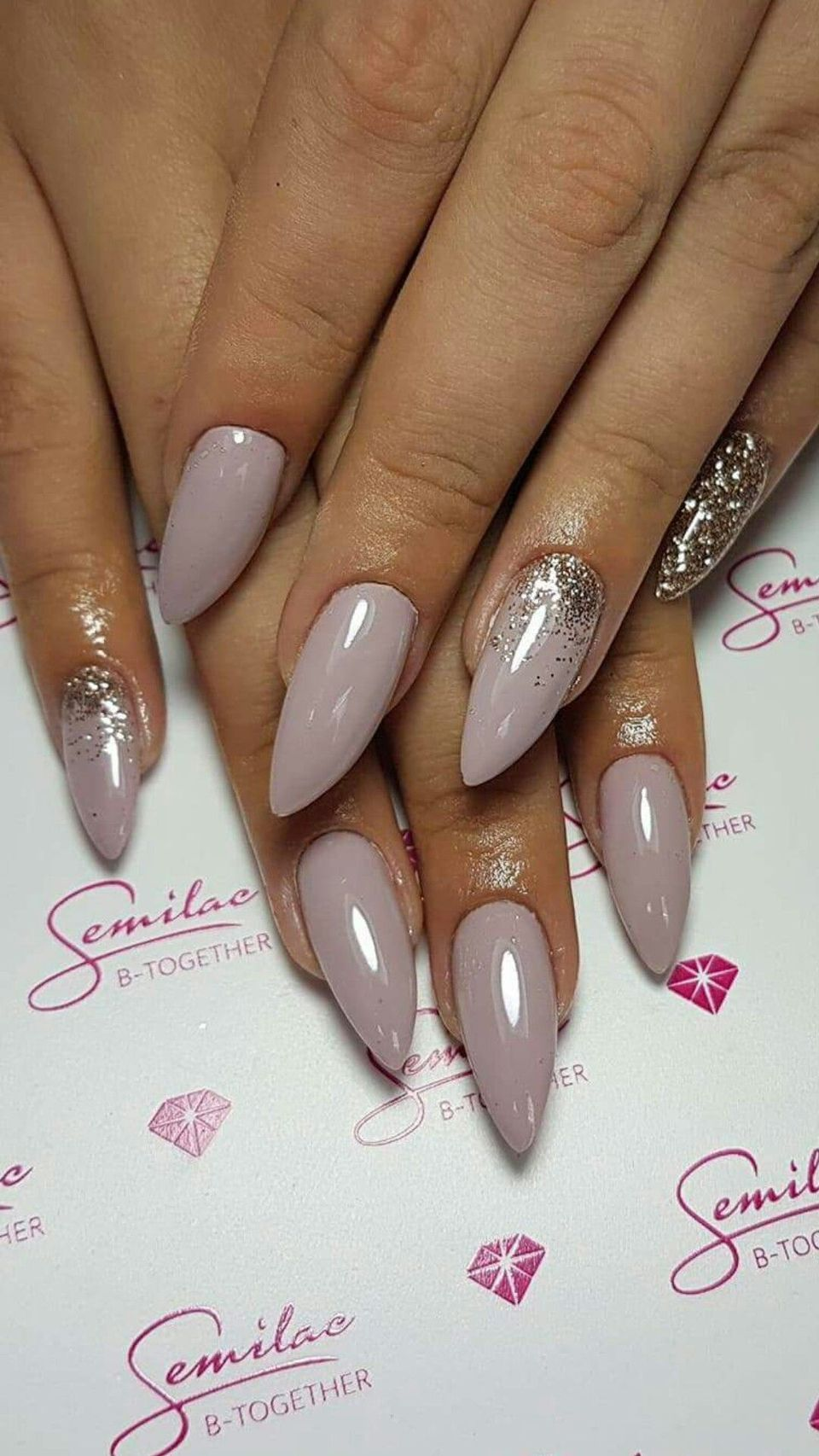 Sweet acrylic nails ideas for winter 117