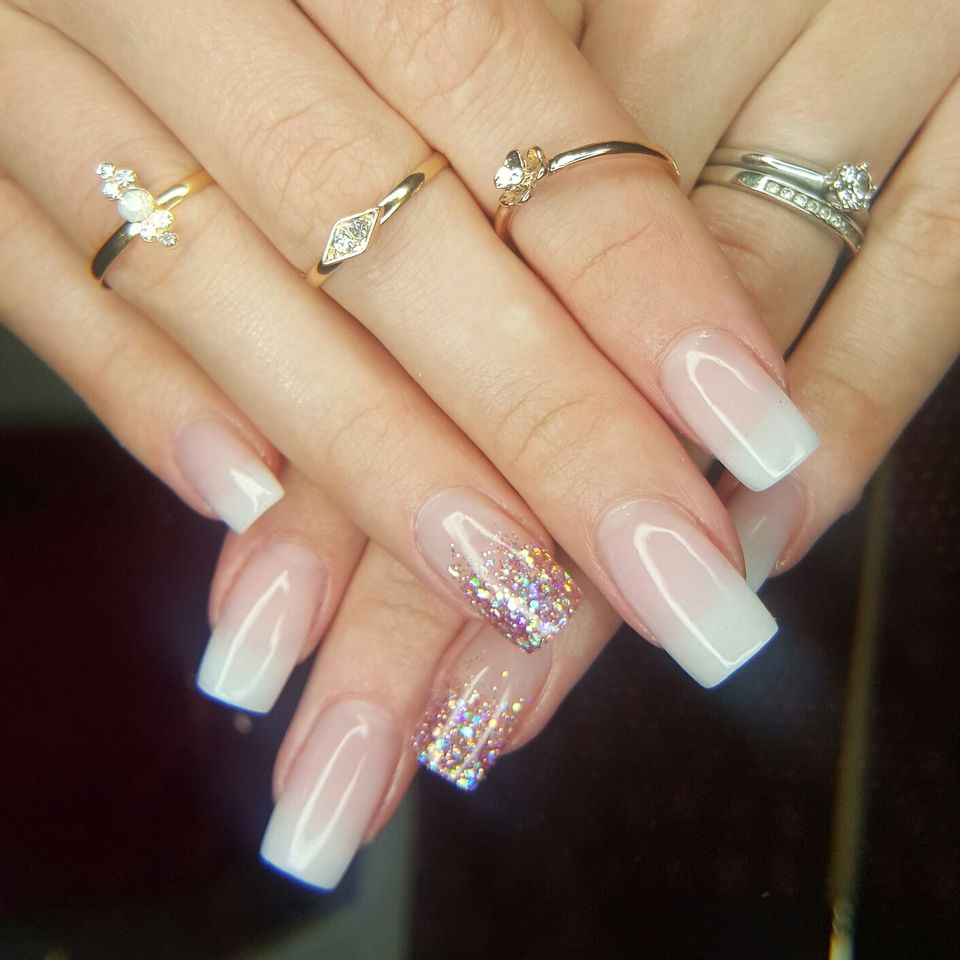 Sweet acrylic nails ideas for winter 78