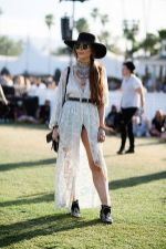Best boho dress ideas for coachella outfits 23