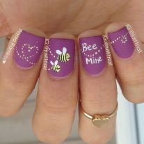 Lovely valentine nails design ideas 34