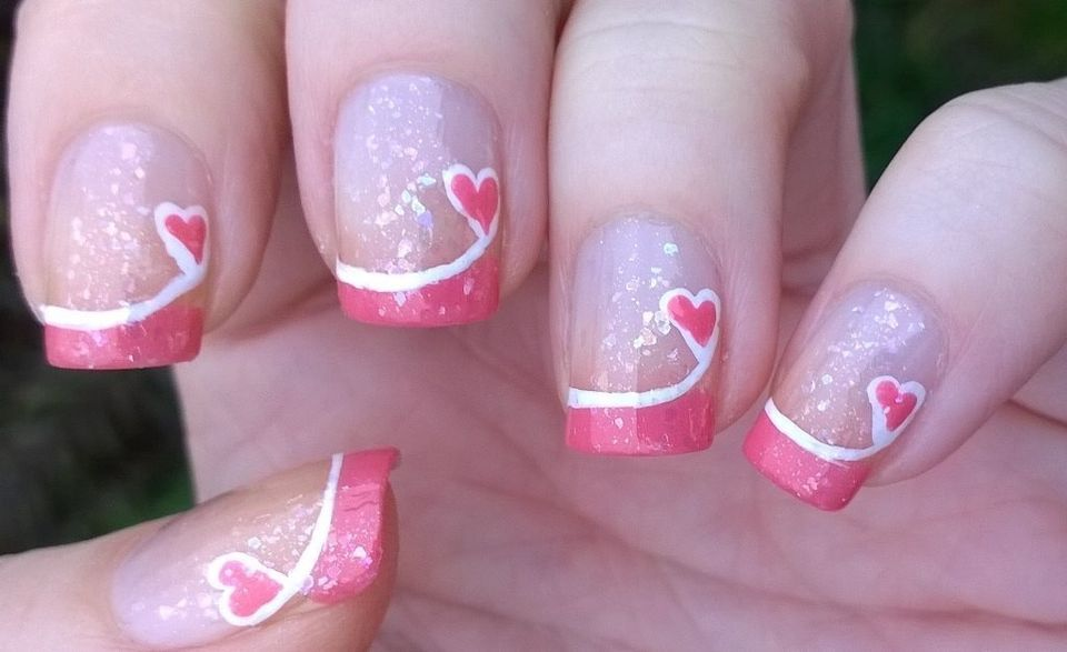 Lovely valentine nails design ideas 35
