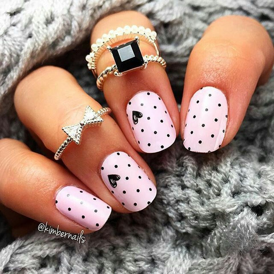 Lovely valentine nails design ideas 79