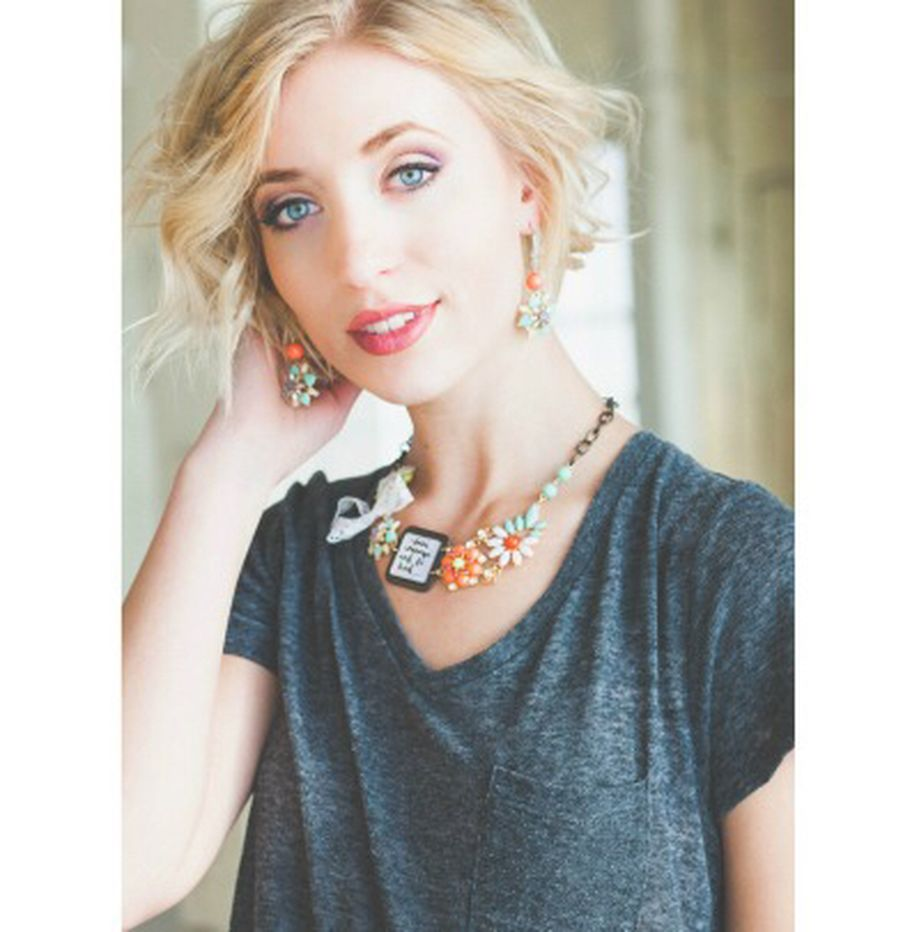 Beautiful Plunder Necklace Ideas for Summers 10