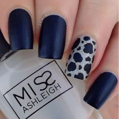 Sweet Blue Nails Ideas that Make Cool and Calm Appearance 35