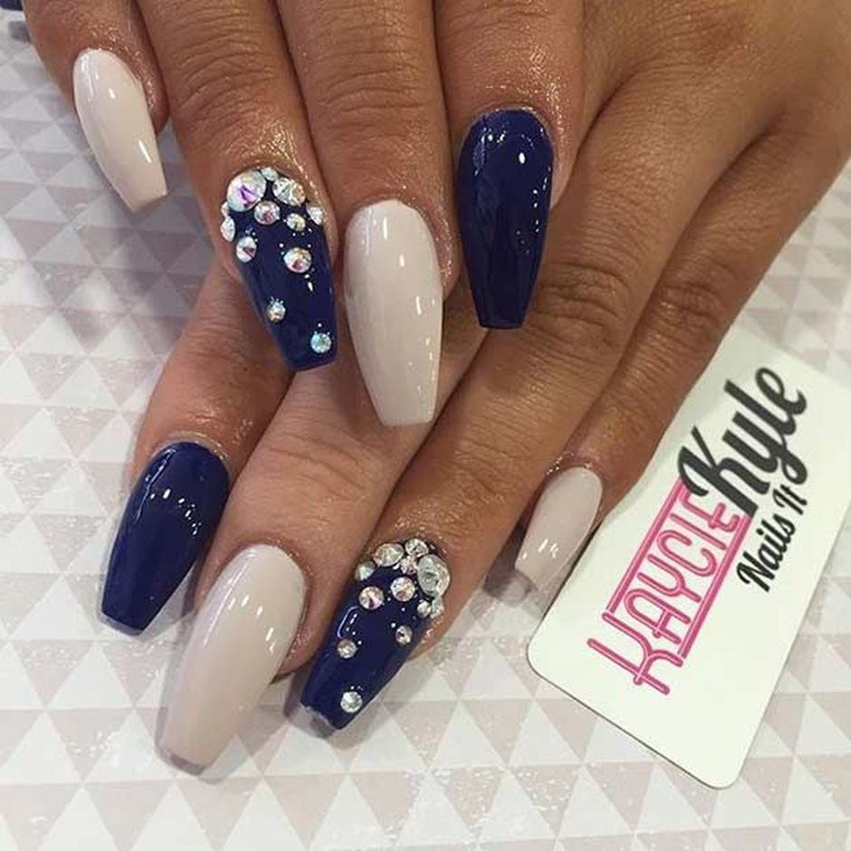 Sweet Blue Nails Ideas that Make Cool and Calm Appearance 8