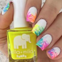 Best Colorful and Stylish Summer Nails Ideas 12