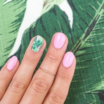 Best Colorful and Stylish Summer Nails Ideas 47