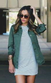 Inspiring Spring Outfits Ideas for Young Mom 31