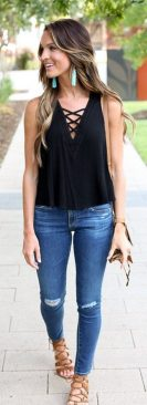 Inspiring Spring Outfits Ideas for Young Mom 4