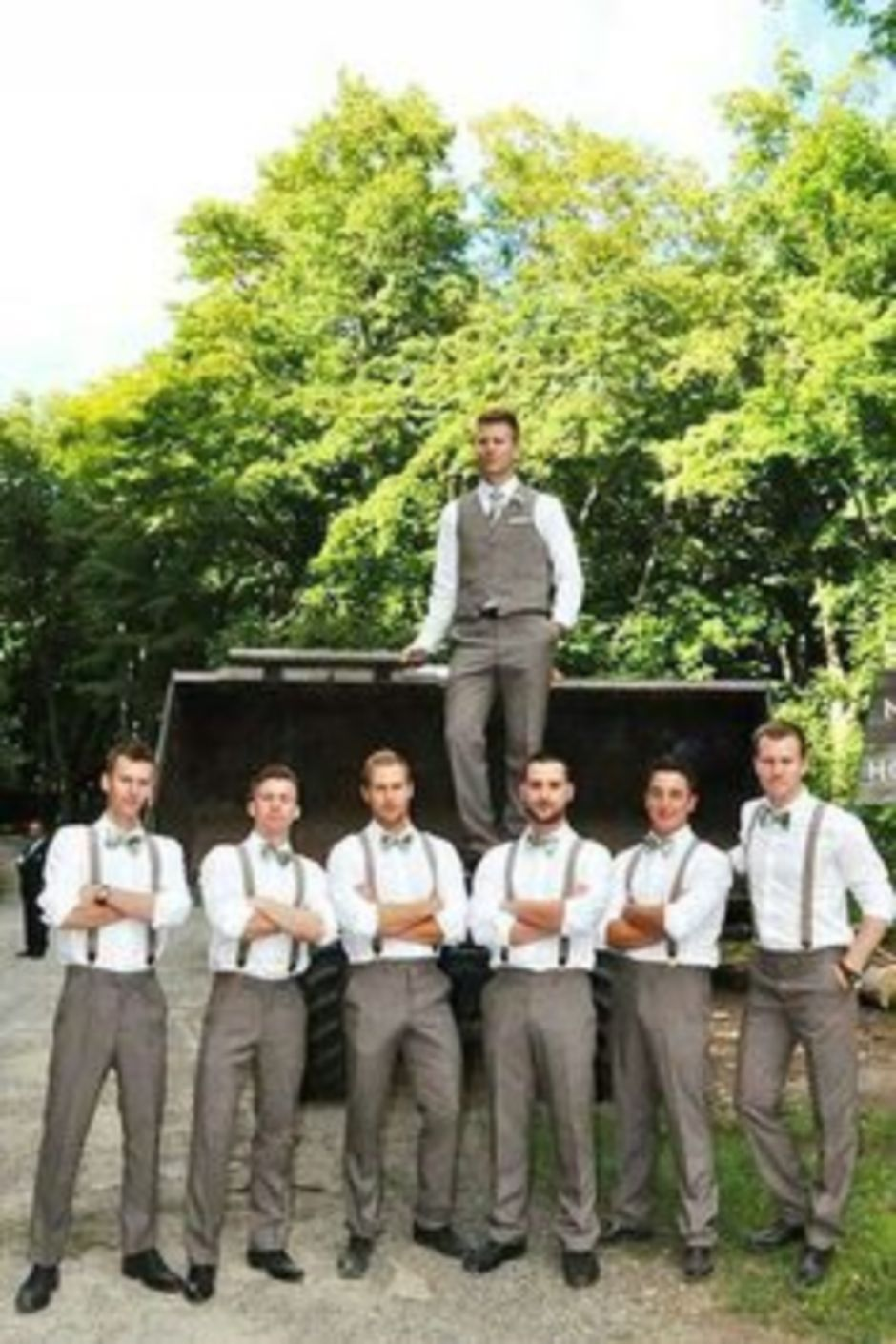100+ Groomsmen Photos Poses Ideas You Can't Miss 104