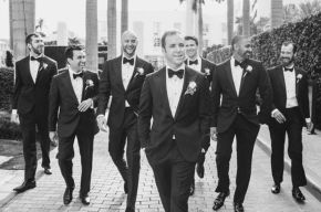 100+ Groomsmen Photos Poses Ideas You Can't Miss 12