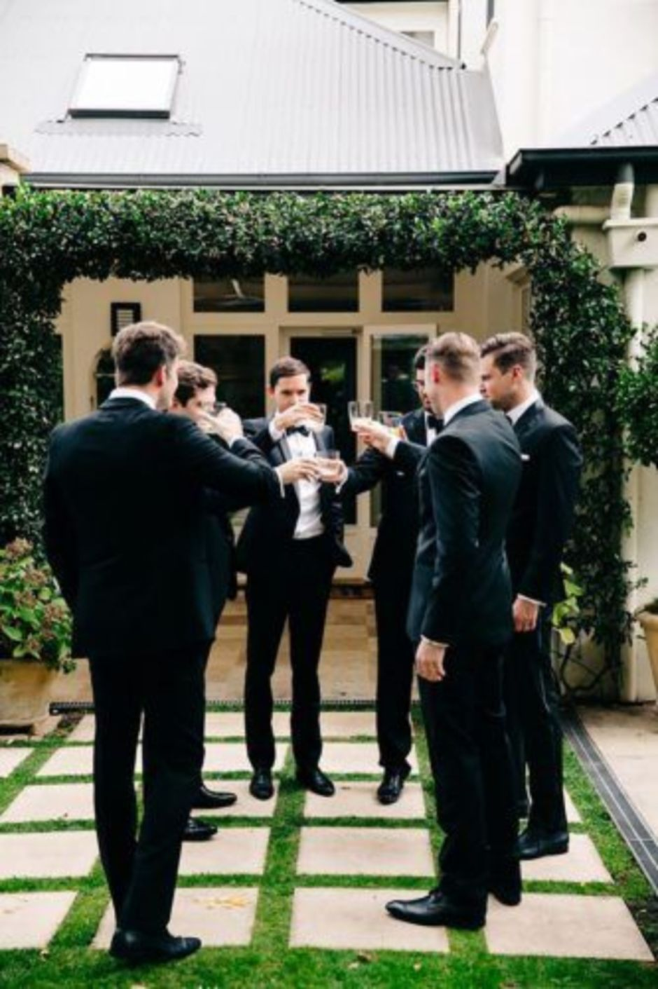 100+ Groomsmen Photos Poses Ideas You Can't Miss 14