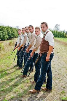 100+ Groomsmen Photos Poses Ideas You Can't Miss 21