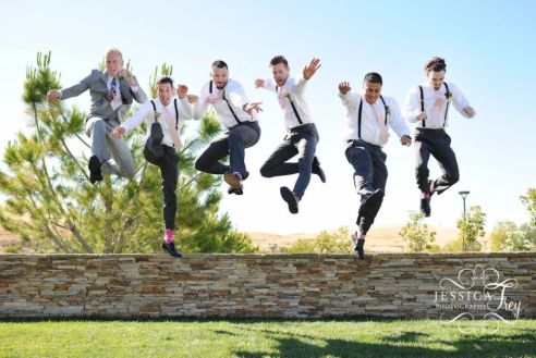 100+ Groomsmen Photos Poses Ideas You Can't Miss 35