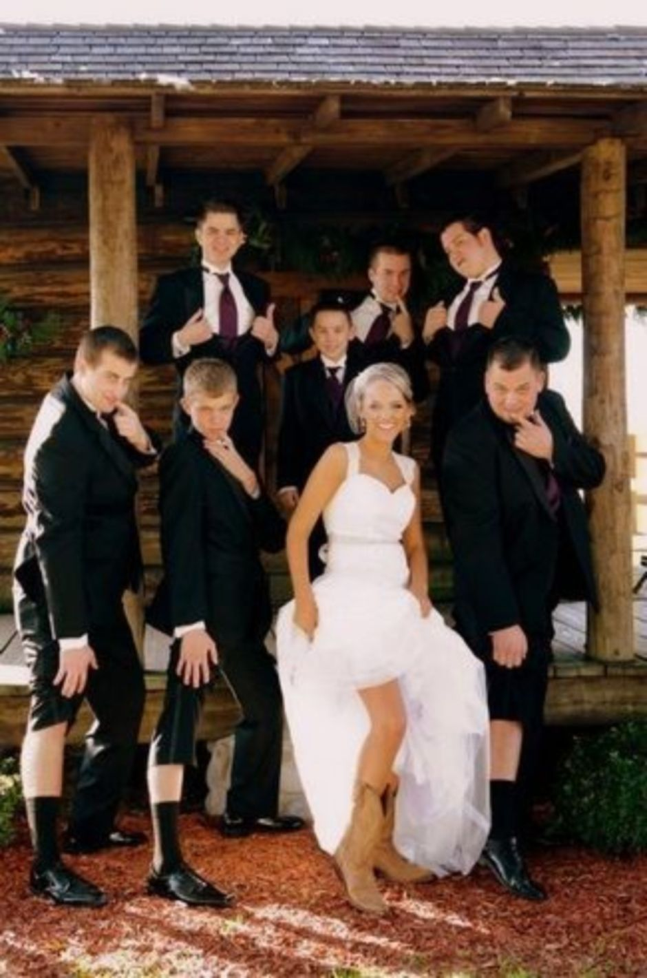 100+ Groomsmen Photos Poses Ideas You Can't Miss 37