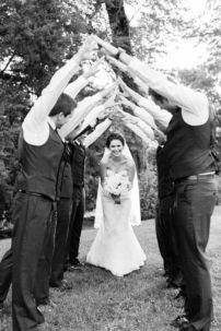 100+ Groomsmen Photos Poses Ideas You Can't Miss 98