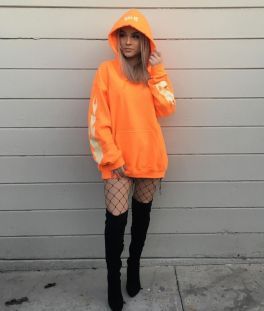 55 Orange Outfit Ideas That Make You Look Young and Fresh 52