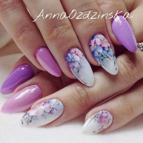 Awesome Floral Nails Design Ideas 1