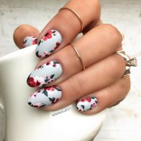 Awesome Floral Nails Design Ideas 10