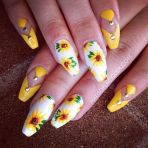 Awesome Floral Nails Design Ideas 19