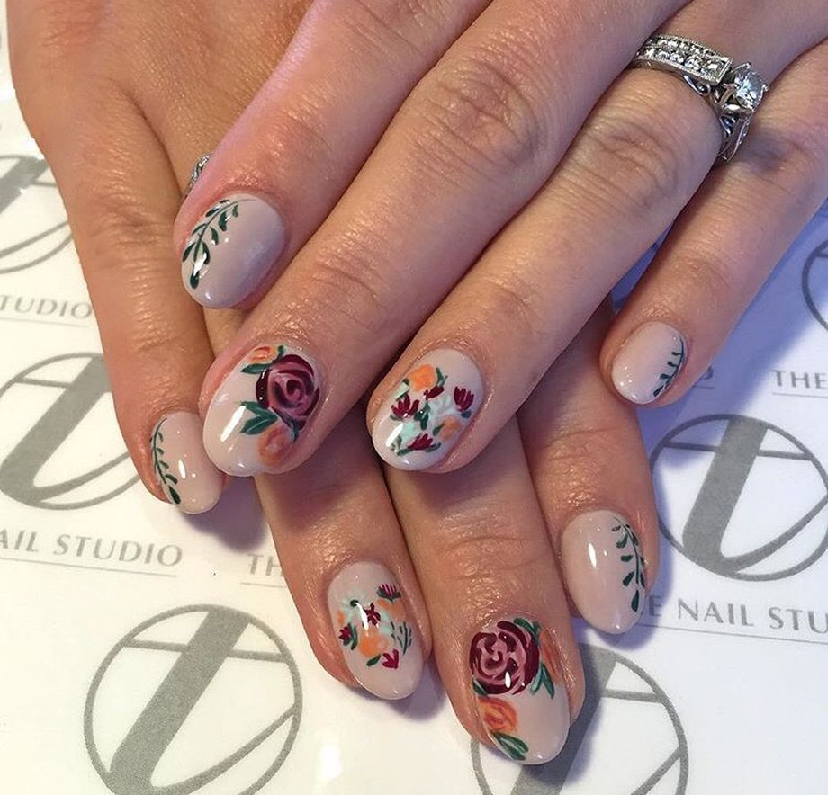 Awesome Floral Nails Design Ideas 24