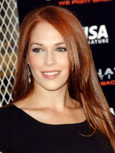 Awesome Hottest Redheads Will Make You Look Beautiful and Stunning 33