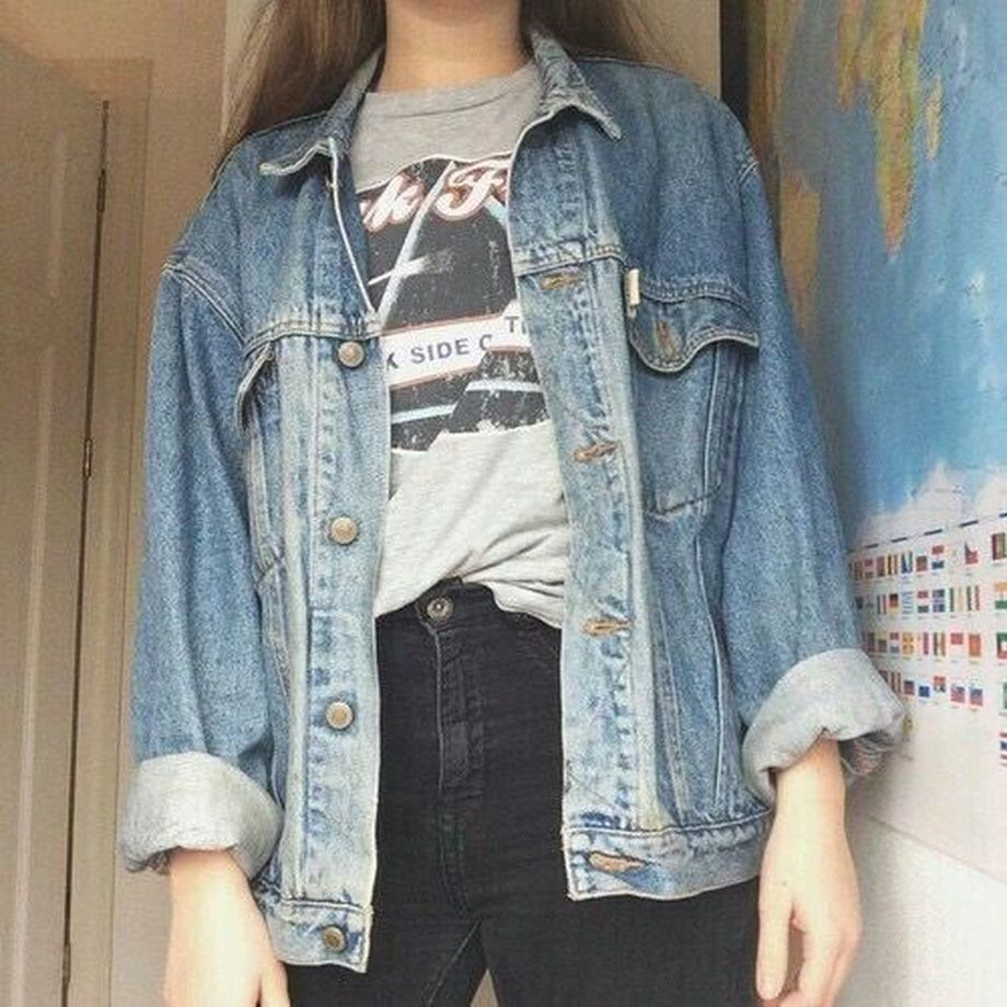 Denim Jacket Outfits Inspirations for Girl 10