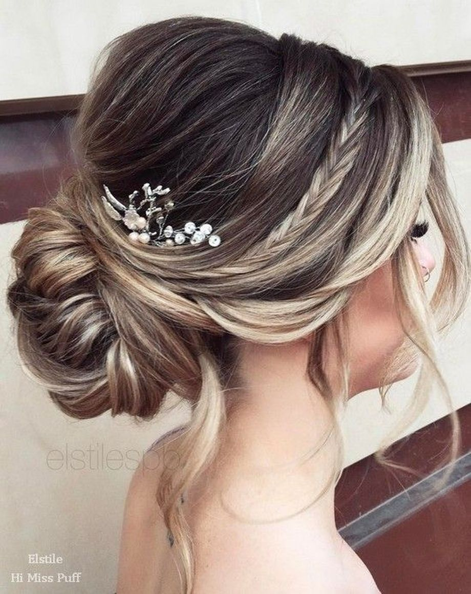 simpe but classy bridal hair do 26