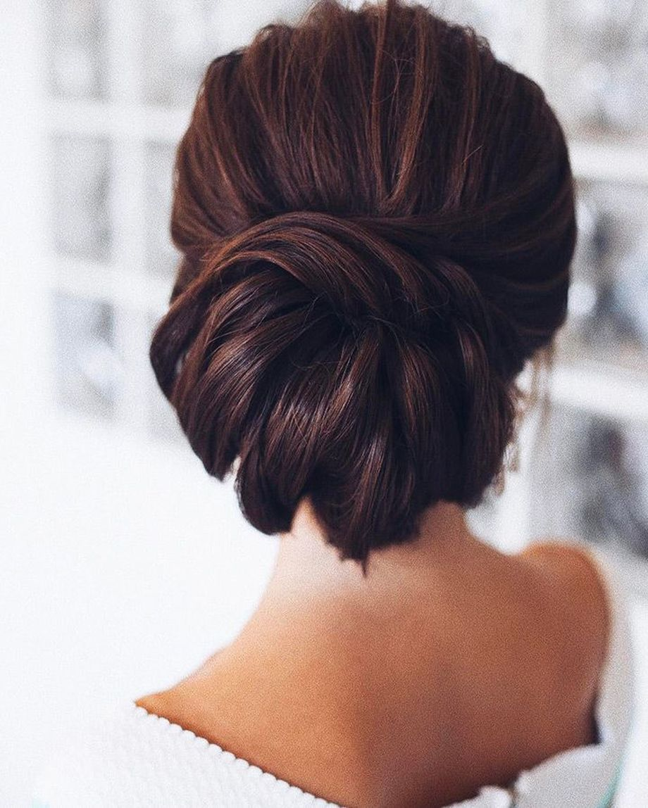 simpe but classy bridal hair do 8