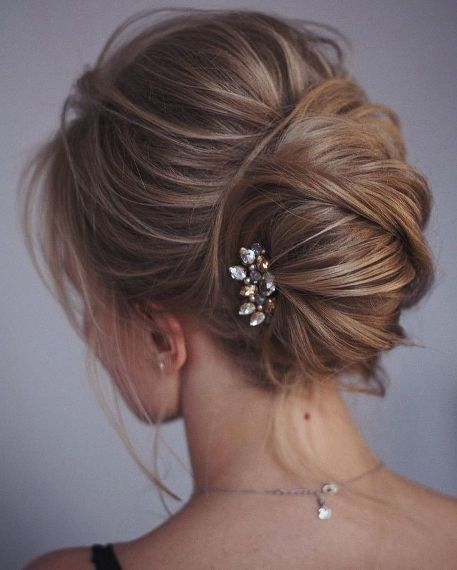simpe but classy bridal hair do 9