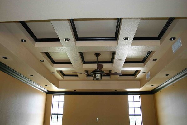 C Offered Ceiling with Crown Molding