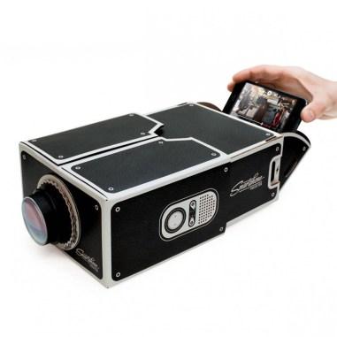 smartphone-projektor-aus-karton-3f7