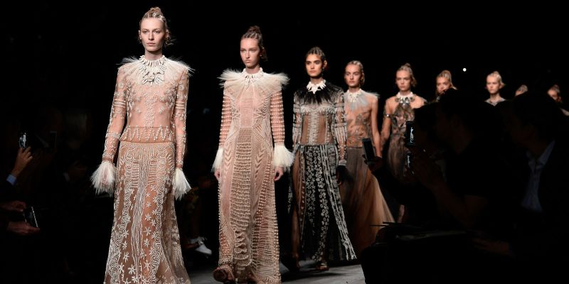 Mame Fashion Dictionary: Valentino Spring / Summer 2017 Fashion Show