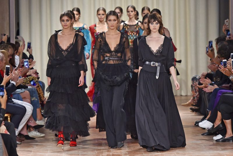 Alberta Ferretti Spring 2017 Collection Milan Fashion Week