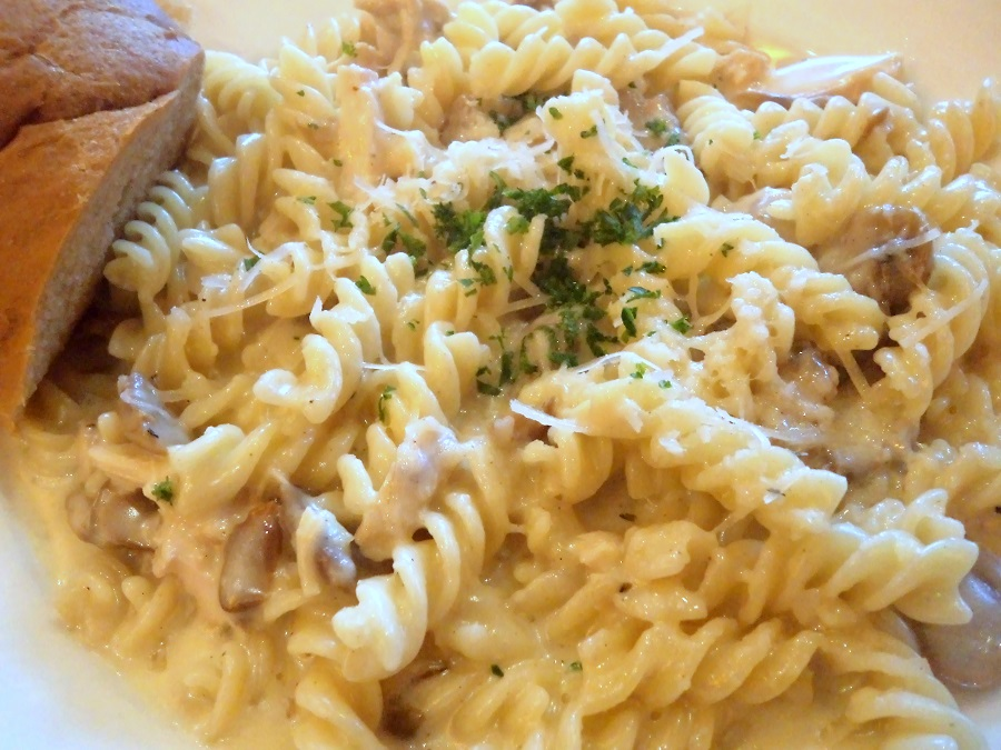 big-chill-cafe-cream-pasta