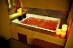 sawadhee-traditional-thai-spa-couple-spa-jacuzzi-bath