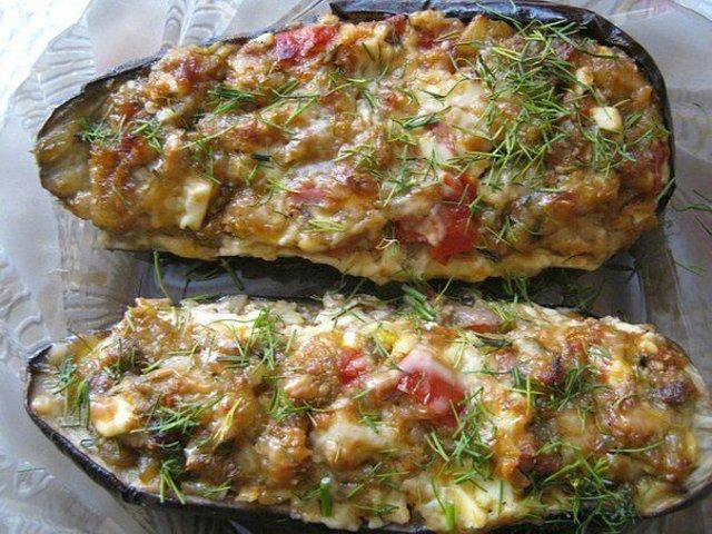 Баклажаны фаршированные сыром