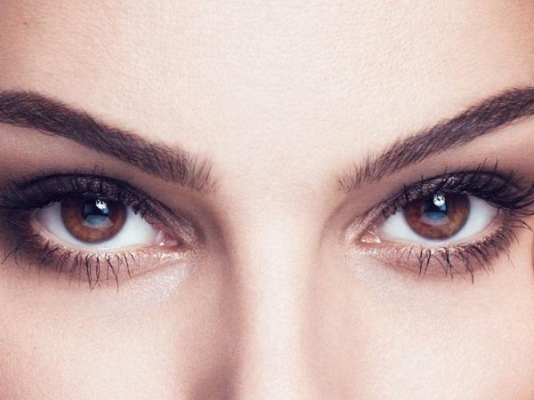 Как подчеркнуть глаза?