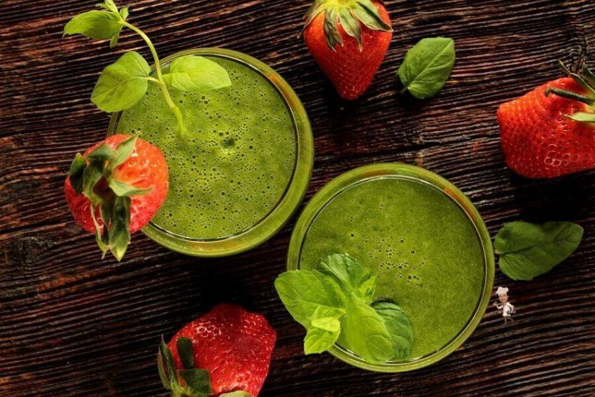 Skincare Smoothies for Glowing Skin and Hair