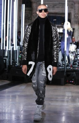 philipp-plein-ready-to-wear-fall-winter-2017-new-york45