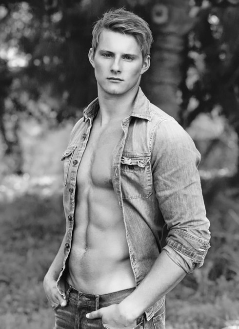 Alexander-Ludwig-for-Abercrombie-Fitch-campaign-2013-01