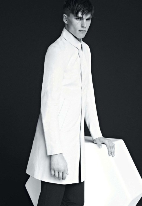 700x1018xotto-pierce-dior-homme-0002.jpg.pagespeed.ic.Hh3bnsnP5o