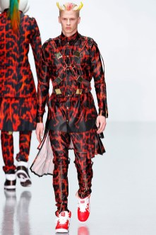 katie-eary-fall-winter-2014-show-0003